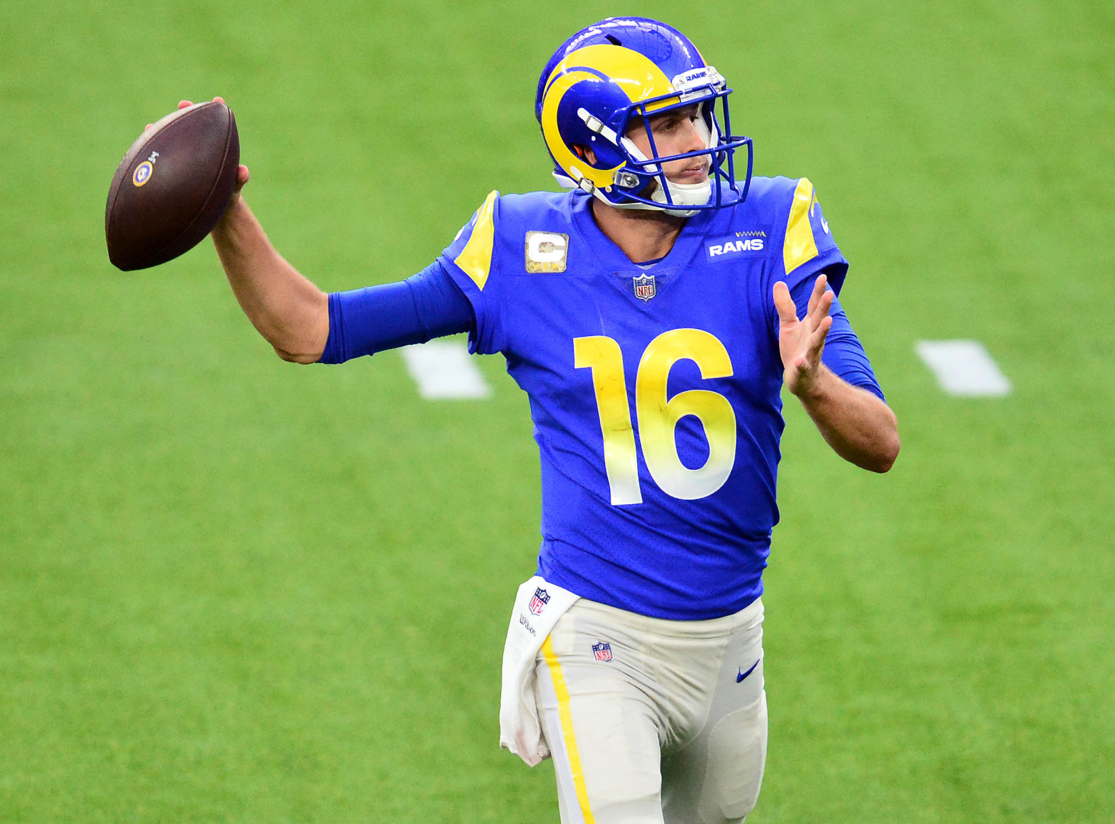 Suddenly La Rams Qb Jared Goff Cannot Find The Endzone