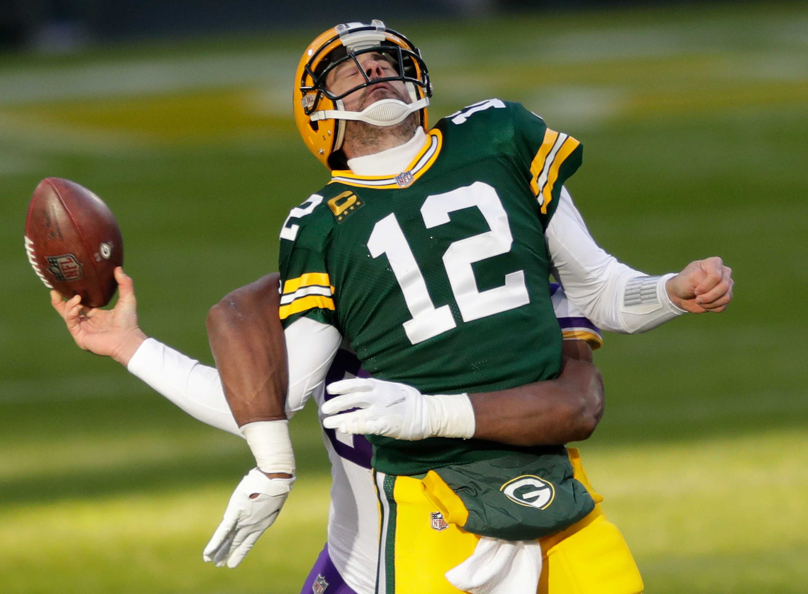 Yes, the LA Rams defense will cause headaches for Packers QB Rodgers